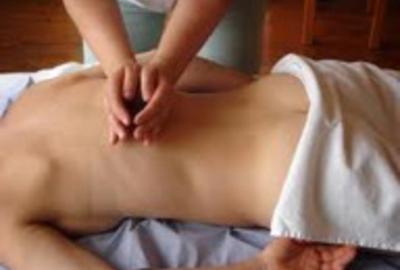 Le massage Breuss, une thérapie douce pour les maux de dos.