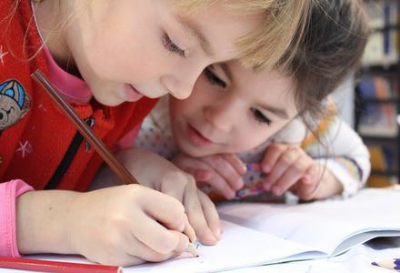 Confinement : nos enfants ont besoin de parents apaisants, respirant, inspirants et structurants.