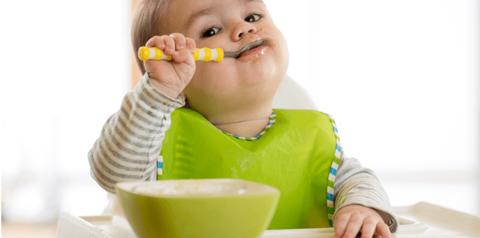 Relation parent-enfant: le lien avec la nourriture